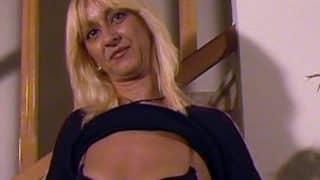 Le Casting sexe d'une joie blonde un peu timide