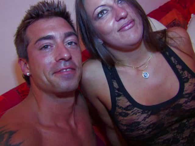 Sodomie et éjac sur les seins d'une femme mature